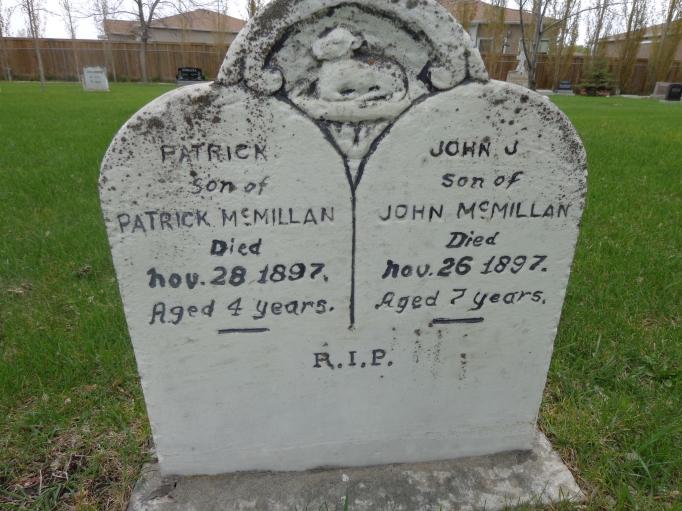 McMillan John James b1890 grave